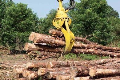New grapples enhance productivity of John Deere knuckleboom loaders