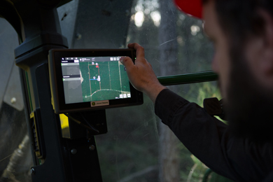 John Deere Expands TimberMatic™ Maps and TimberManager™ Technology Solutions to Full-Tree Equipment