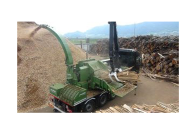 PTH1200/1000 Hackertruck Pezzolato Drum Wood Chipper Delivered to Rimorini Legnami